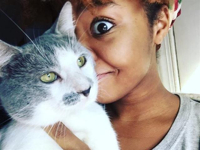 20 странных вещей, которые вы тайно делаете со своим котиком