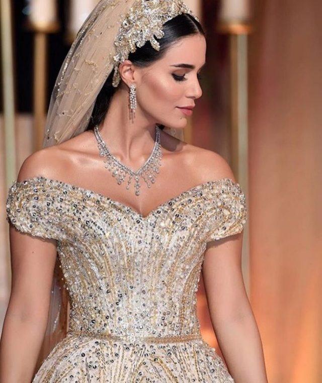 Ливанская невеста целый год шила себе платье и результат превзошел все ожидания