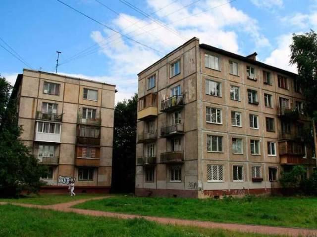 Почему в хрущевках отсутствуют балконы на первых этажах