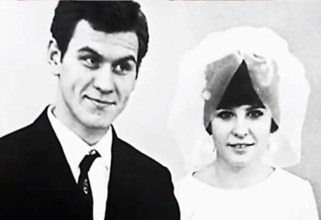 """""""Всех жен бросал"""": Жены Валерия Афанасьева и его последняя возлюбленная младше на 30 лет"""