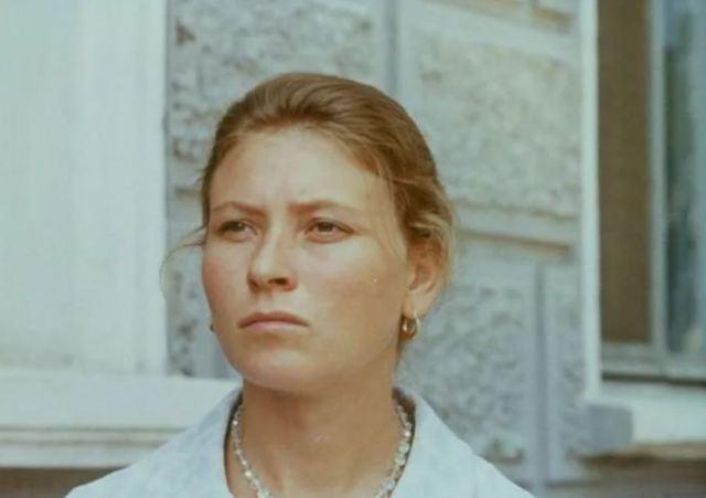 """Актрисе из фильма """"Здравствуй и прощай"""" 73 года: известные муж и дочь, как она живёт сейчас"""