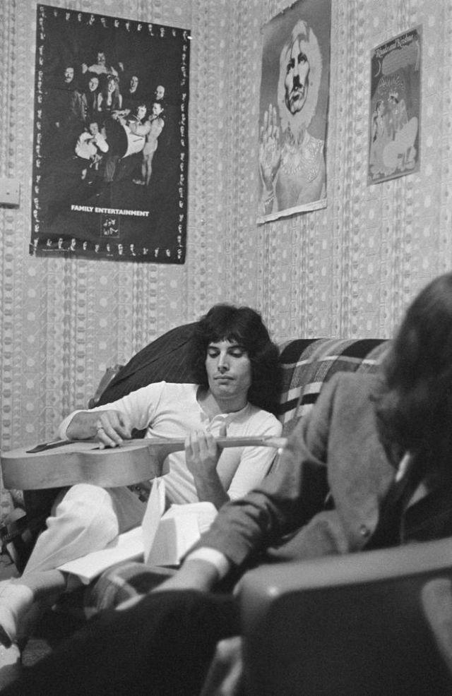 """Фредди Меркьюри: фото из личного архива лидера группы """"Queen"""" ранее неопубликованные"""