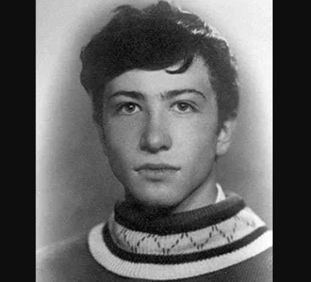 Молодые и юные, многих не узнать: редкие фото отечественных звезд в начала их карьеры