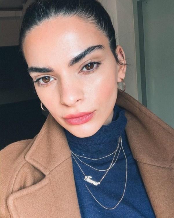 """""""Конкурентка"""": Девушка из Грузии своим сходством с Кендалл Дженнер покорила Интернет"""