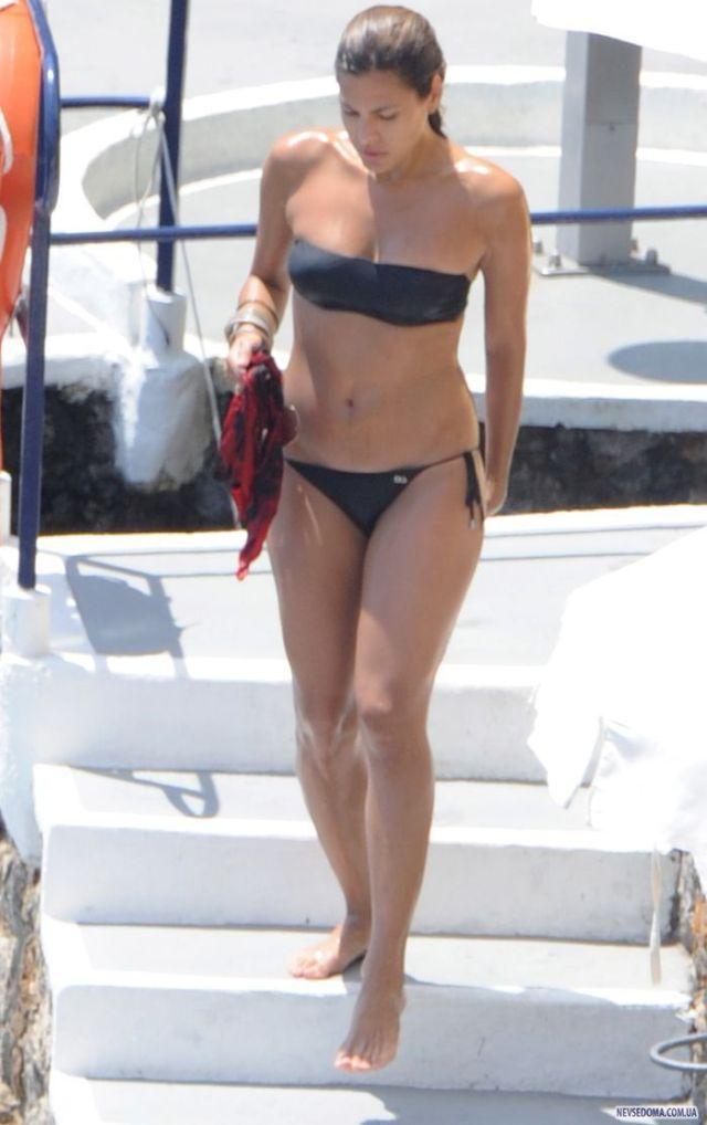 Всё, чтобы удержать Гослинга: 46-летняя Ева Мендес показала стройное тело и пышные формы