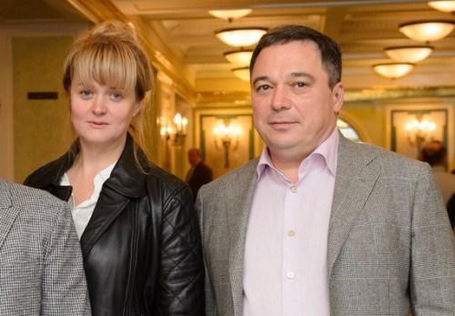 Два сыночка и лапочка-дочка: Анна Михалкова показала своих подросших отпрысков