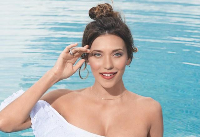 Круче Шейк! 30-летняя Тодоренко удивила прессом и плоским животом в купальном одеянии