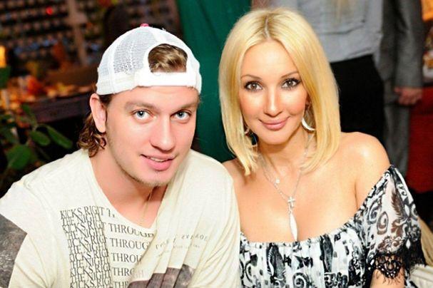 Молодой и зрелая. Фото Кудрявцевой с мужем с отдыха бурно обсуждают в сети
