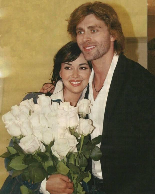 Трогательно до слез. В сети появилось редкое фото Заворотнюк с мужем