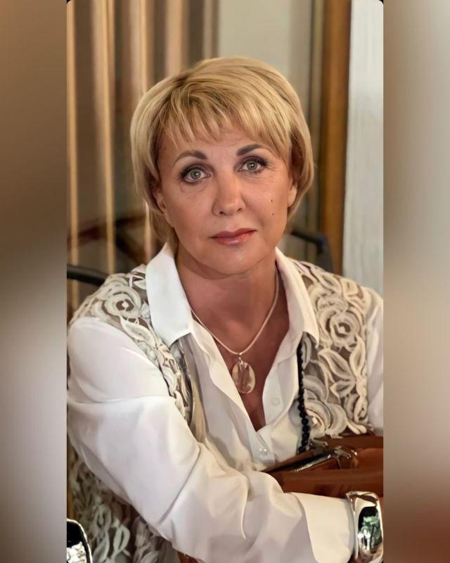 Ботокс не помог, с морщинками и без макияжа: слили честное фото Елены Яковлевой