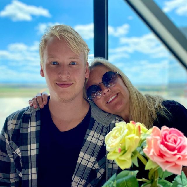 Просто копия отца! Жена Дмитрия Харатьяна показала 23-летнего красавца-сына