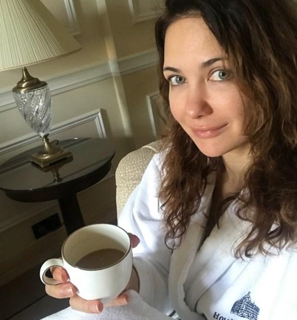"""Я тоже лохматая"": Климова позабавилась над Пересильд, показав себя без макияжа"