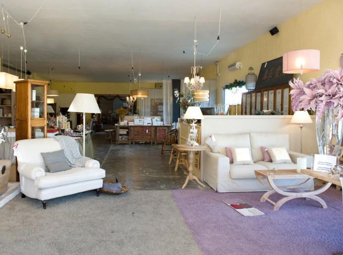 El almacén de tomates converrtido en una espectacular tienda de muebles