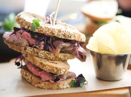 Sandwich de Roas Beef hecho el mismo día