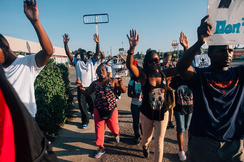 Middle_of_the_crowd_in_Ferguson.jpg