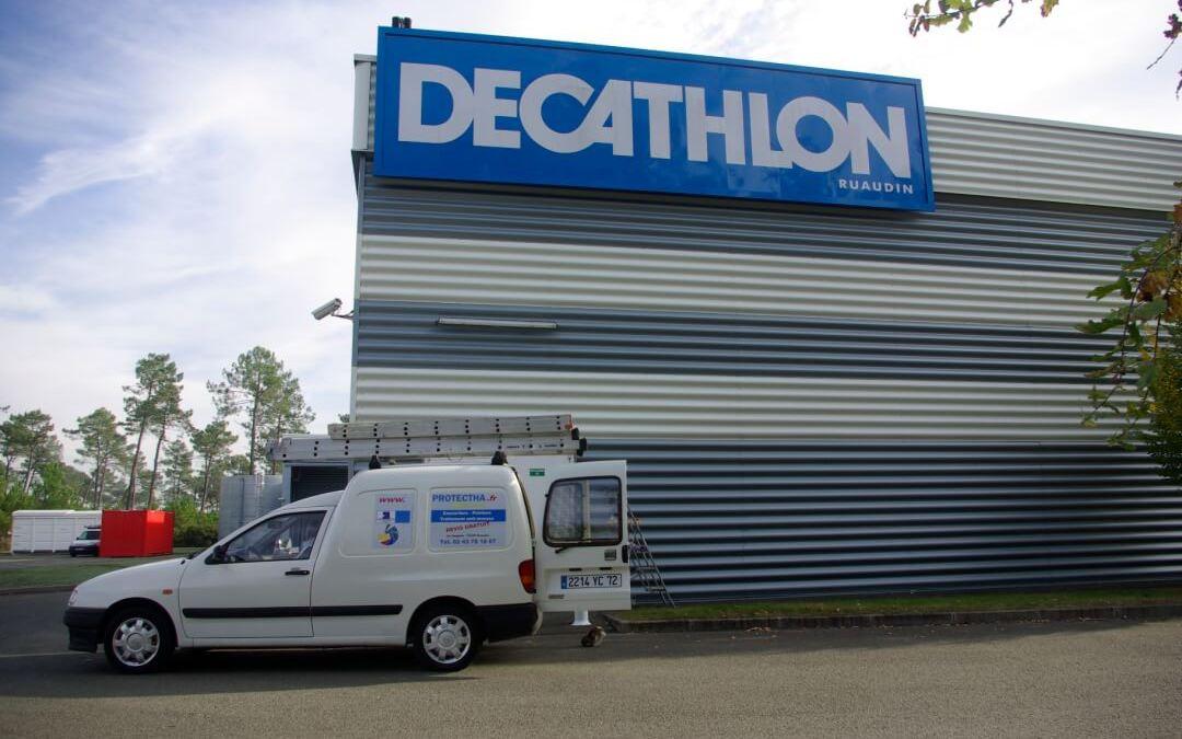 Rénovation des portes de secours à DECATHLON Ruaudin.