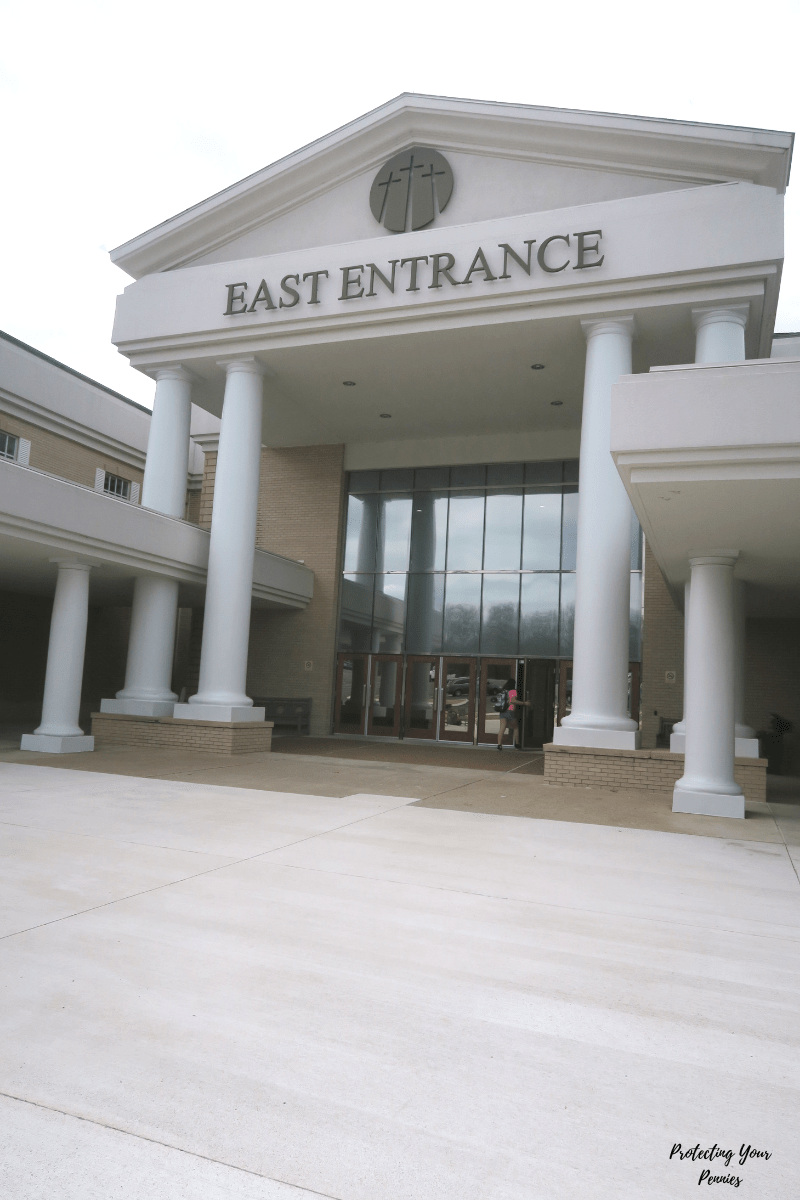 East Entrance of Bellevue Baptist Church in Memphis, TN