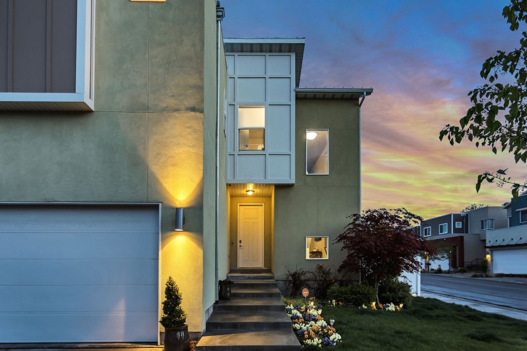 How To Instantly Upgrade Your Home's Curb Appeal