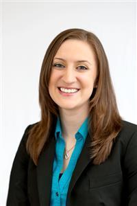 Shayla is an Internal Adult Financial Advisory Associate Director in Houston