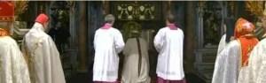 Orando en la tumba de San Pedro