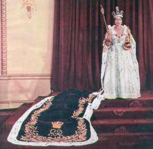 Isabel II con el Manto Imperial
