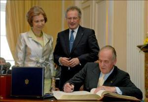 Firma en el ayuntamiento de Luxemburgo