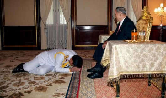 general-prayuth-chan-ocha-receives-the-endorsement-of-his-majesty-the-king-during-a-royal-audience-tuesday-evening-photo-bangkokpost-com-1527785-thai-bangkok-post