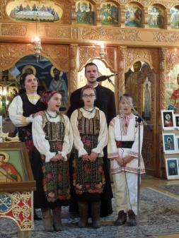 Părău Familia preotului paroh Laurenţiu Urian