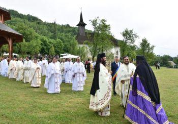 Hramul Mănăstirii de la Vad, ctitoria Sfântului Ștefan cel Mare, prăznuit în prezența ÎPS Andrei