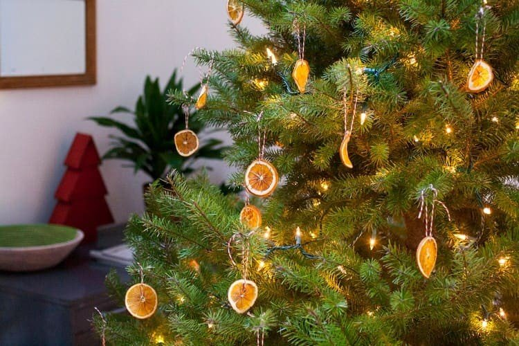 Фруктовые дольки на елке