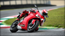 SBK-899-Panigale_2014_Amb03_R_1920x1080.mediagallery_output_image_[1920x1080](1)