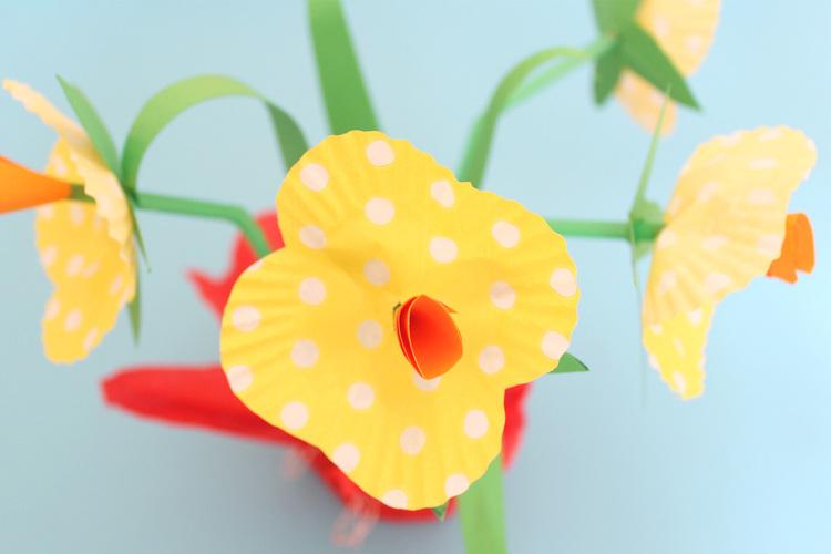 Chloe me just me - creating daffodils