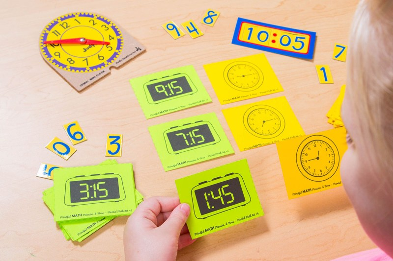 telling time activity - match digital and analog clocks to tell time
