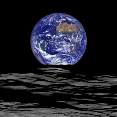 Terre et vide