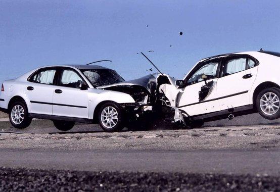 車が正面衝突しそうに・・・!!感動で守ってくださった神様。