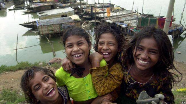 バングラデシュ 笑顔 少女