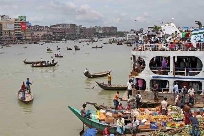 バングラディシュ 川 人々