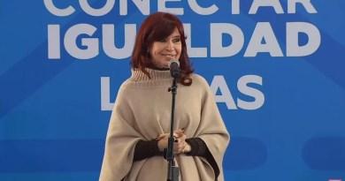 Cristina Fernández se hace presente en un acto en Lomas de Zamora