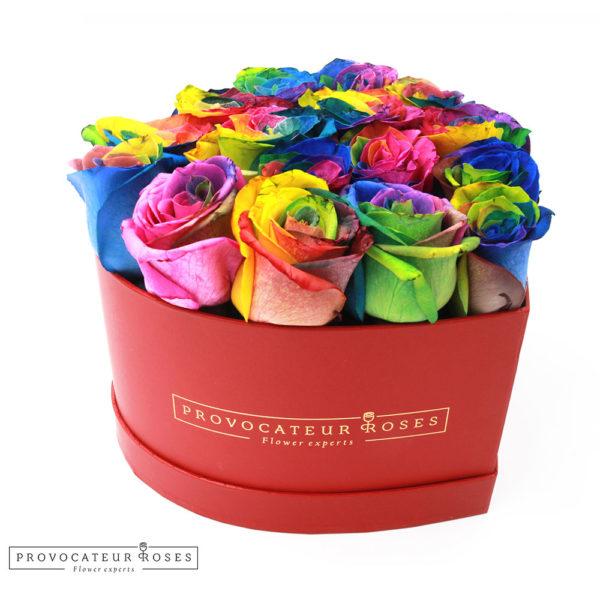 Caja corazon rosas frescas arcoiris