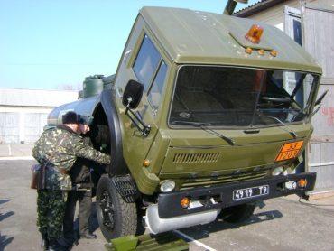На Тернопільщині у військових частинах української армії розпочалося сезонне технічне обслуговування озброєння та військової техніки