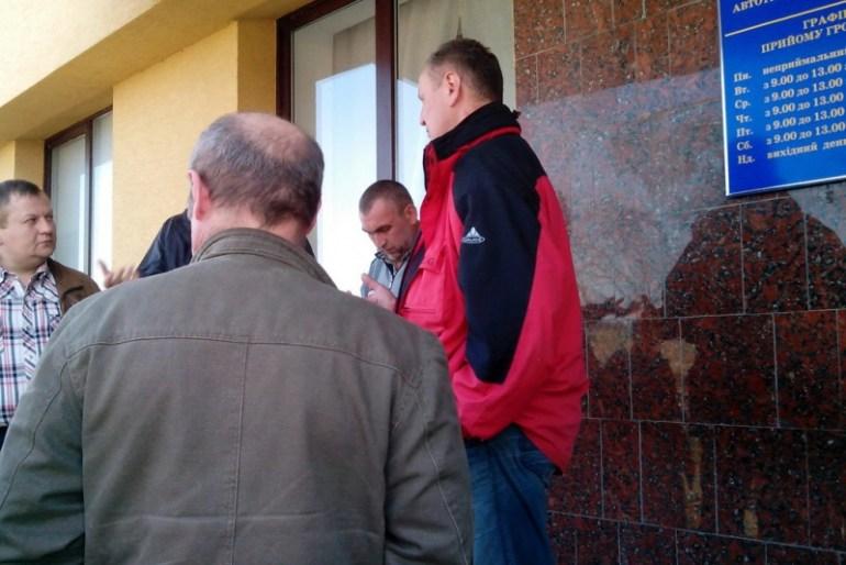 Представники міської ради намагались переоформити техніку КП ТМШЕД