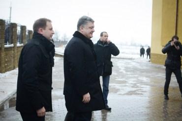 Як Петро Порошенко витратив 700 тисяч гривень на Тернопільщині (фото)