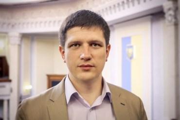 Під час спроби дати хабар тернополянину затримали ректора університету