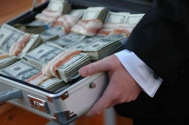 На Тернопільщині затримано ще трьох прокурорів за хабар у 300 тисяч гривень