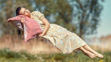 Чому нам здається, що ми падаємо, коли засинаємо?