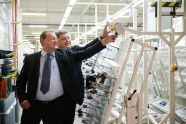 Петро Порошенко на Тернопільщині: візит за мільйон гривень щоб натиснути кнопку?