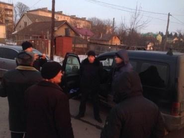 СБУ затримала на хабарі міліціонера на Тернопільщині
