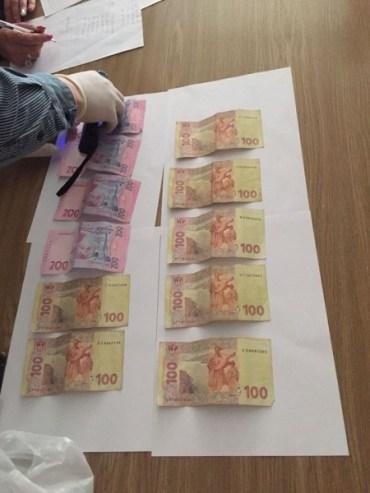 У Тернополі викладачка вимагала 1500 гривень хабара від студентки