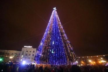 Вперше у Тернополі освятять різдвяну шопку, а потім запалять ялинку