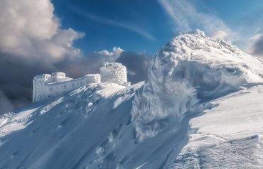 В районі гори Піп Іван заблукало троє туристів: 30-річний тернополянин вижив, а 34-річний закарпатець загинув